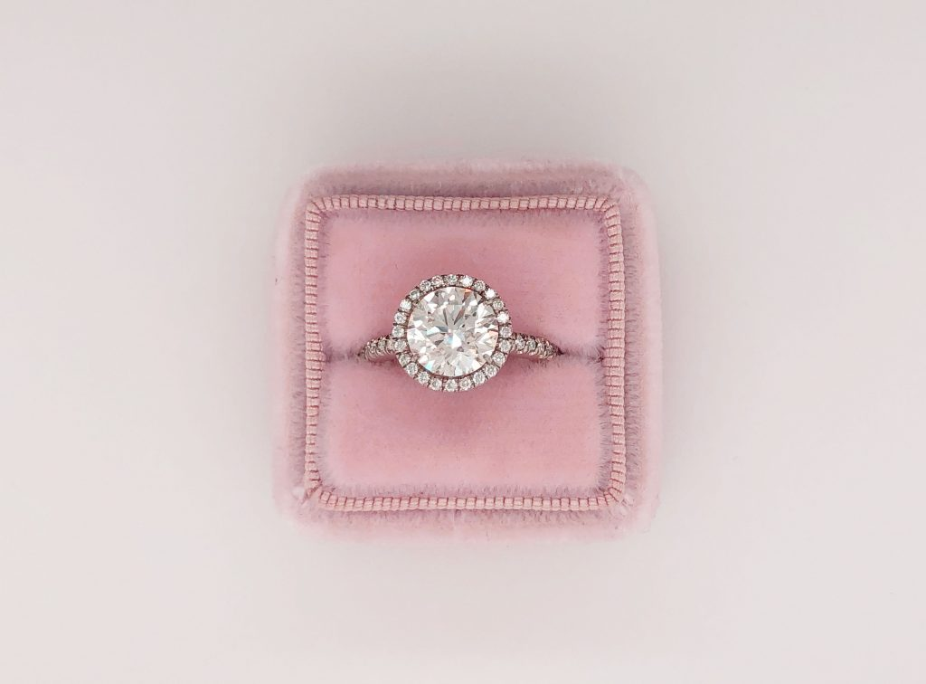 Sell your old diamond ring in Boca Raton with Diamond Banc Today