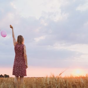 Women-With-Balloons
