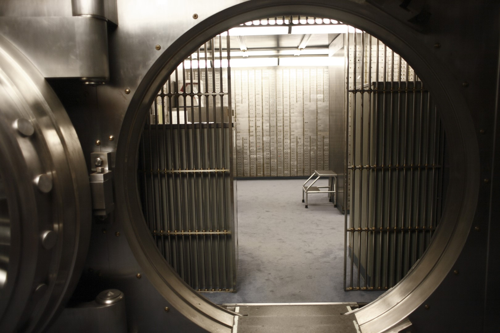 Large-Vault