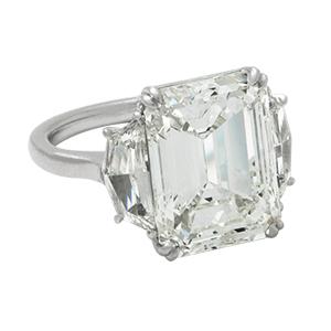 8Ct-Emerald-Cut-Diamond-Ring