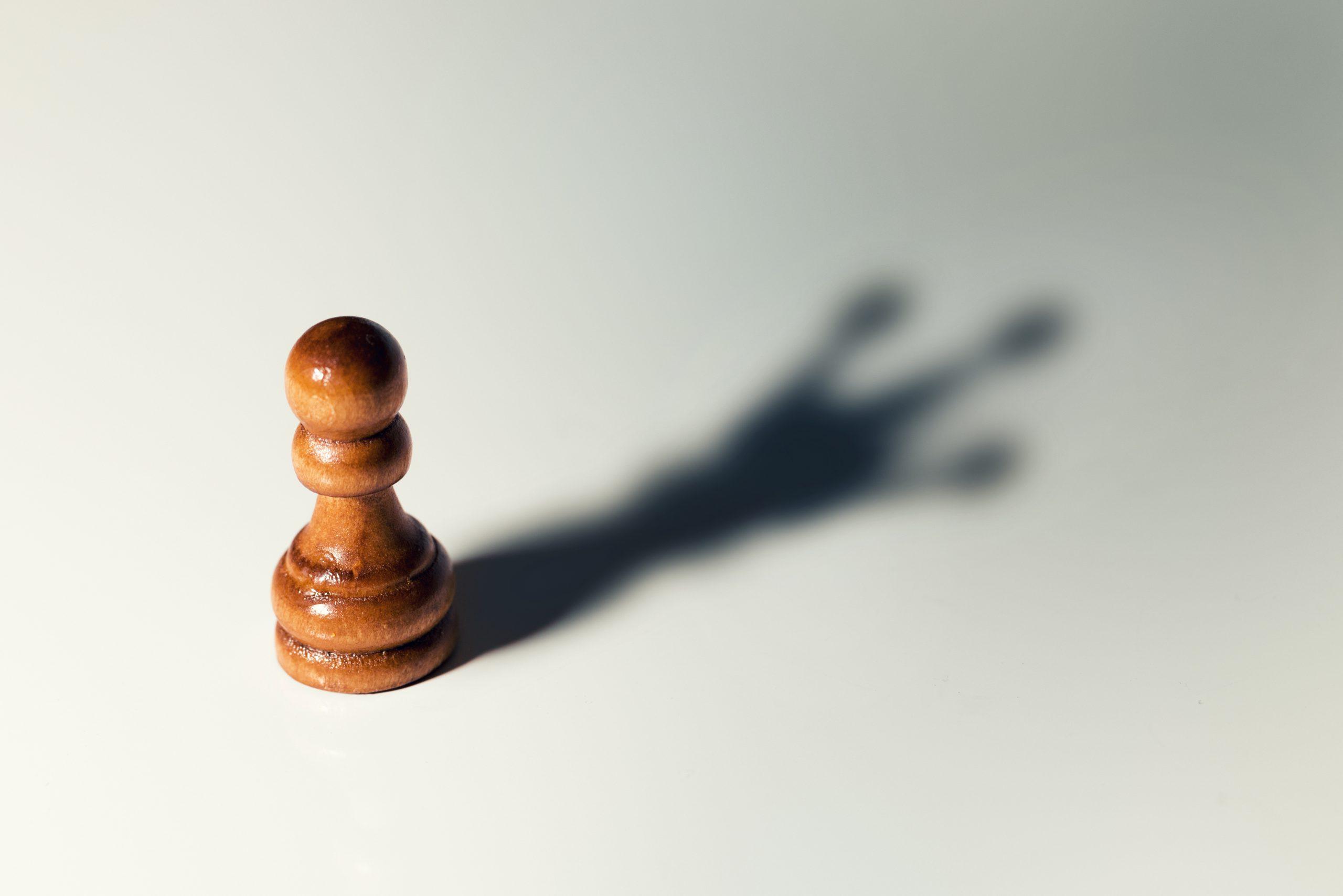 Chesspiece pawn, pawnshop, darkside pawn